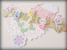 Cómo crear nuestros propios embellishments llenos de pequeños detalles y con materiales muy pero muy económicos... Los espero!!! http://misspapelitosscrap.blogspot.com.es/2014/04/mi-taller-de-scrap_10.html