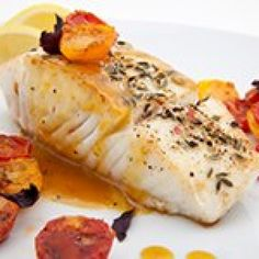 Frugal Food Items - How To Prepare Dinner And Luxuriate In Delightful Meals Without Having Shelling Out A Fortune Recette Cabillaud Tomates Citron, Notre Recette Cabillaud Tomates Citron Dieta Paleo, Paleo Diet, Keto, Fish Recipes, Paleo Recipes, Baked Salmon, Grilling Gifts, Fat Loss Diet, Paleo Food