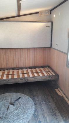 bunk beds.  fällbar säng