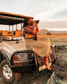 Nkala Lodge is an unforgettable, luxurious South Africa safari getaway only 2-hours from Johannesburg. The exclusive lodge is situated inside Black Rhino Game Reserve which is a private concession in Pilanesberg National Park (one of the top safari destinations in South Africa!) Here's my full review on what to expect! | South Africa Travel | Where to Stay in South Africa #southafrica #pilanesberg #safari #africa