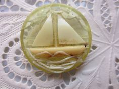 Vintage Buttons  1 large 1940's collector by pillowtalkswf on Etsy, $9.95