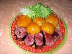 La meilleure recette de Magret de canard aux pêches! L'essayer, c'est l'adopter! 5.0/5 (7 votes), 7 Commentaires. Ingrédients: - 1 magret de canard - 1 grande boîte de pêches au sirop - 1 c à s de miel - 1 petite c à s de vinaigre balsamique - 1 pointe de couteau de 4 épices - sel et poivre