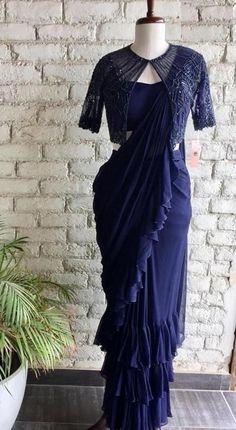 Half Saree Designs, Fancy Blouse Designs, Bridal Blouse Designs, Stylish Dress Designs, Blouse Neck Designs, Blouse Patterns, Indian Gowns Dresses, Indian Fashion Dresses, Indian Designer Outfits