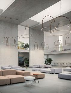 U Light a simple ring of light that appears to float in space Axo Light spotted at ICFF Lobby Design, Design Entrée, Deco Design, House Design, Design Ideas, Design Projects, Interior Design Magazine, Interior Desing, Interior Architecture