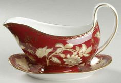 Wedgwood Tonquin Ruby Gravy Boat Underplate 795640