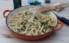 This one-pan chicken alfredo recipe has a traditional garlic and cheesy flavoured sauce that is paired with chicken and penne. Make it today and you& have more time to enjoy eating and less time washing up! Kidspot Recipes, Top Recipes, Dinner Recipes, Cooking Recipes, Recipies, One Pan Chicken, Diced Chicken, Chicken Alfredo, Penne Alfredo
