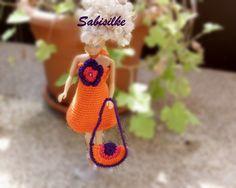 Puppenkleidung - Minikleid mit Blüte für Barbie - Barbiekleid - ein Designerstück von Sabisilke bei DaWanda