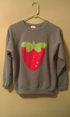 Custom Handmade Mabel Pines Sweater by MagicCatCrafts on Etsy I don't watch gravity falls, but this is simply adorable!
