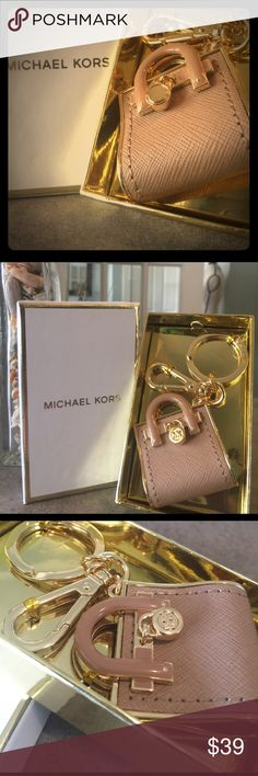 Michael Kors Hamilton key fob Michael Kors Hamilton key fob/chain or to use for ur purse or bag!!  Camel in color still in packaging! Michael Kors Accessories Key & Card Holders