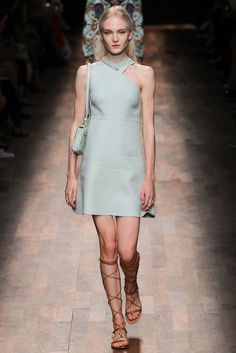 Valentino Spring 2015 Ready-to-Wear Fashion Show - Maja Salamon (Next)