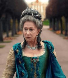 Catherine the Great What's Right in the Costumes & What Isn't Reign Fashion, Fashion Tv, Dame Helen, The Borgias, Catherine The Great, Uniform Dress, She Wolf, Renaissance Dresses, Movie Costumes