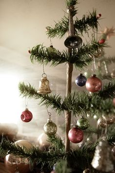 green tree + vintage ornaments