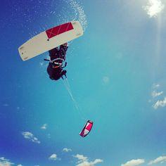 Kite kitesurf kiteboarding