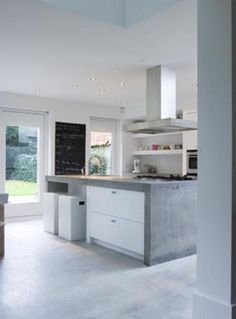 What I like : open shelving at the back Kitchen Interior, Kitchen Inspirations, Concrete Kitchen, Farm House Living Room, Home, Kitchen Decor, Loft Kitchen, Kitchen Diner, Home Kitchens