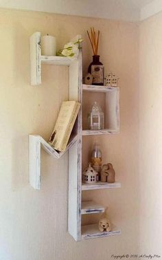 50+ Pallet Wood Projects You Can Make! #palletdecor #pallet