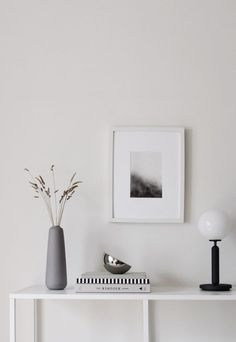 minimalist home accessories My minimalist hallway makeover - the reveal Interior Design Tips, Home Interior, Interior Styling, Interior Decorating, Hallway Decorating, Minimalist Home Decor, Minimalist Interior, Minimalist Living, Hallway Inspiration