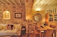 EXCLUSIVE SUITES BOUTIQUE HOTEL. MEDIEVAL TOWN, RHODES, GREECE. - Part of the salon. - kokkiniporta.com