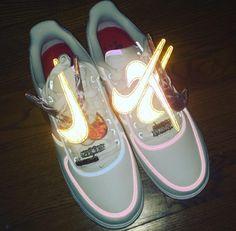 Travis Scott x Nike . Travis Scott, Nike Airmax 90, Nike Af1, Ella Shoes, Sneakers Fashion, Shoes Sneakers, Nike Free Run, Shoes Wallpaper, Nike Air Force 1