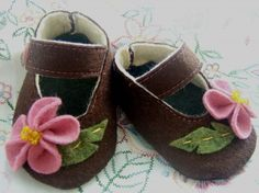 Image detail for -Etsy :: Flowers Wool Felt Baby Shoes- Sizes 1-4 from Wists, top web ...