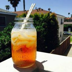 Lovely 32oz Mason Jar made by Ball for your parties, events, personal projects or enjoyment. Jars may also be used for canning. 16oz Jars