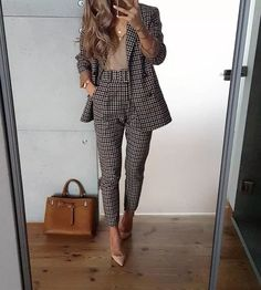 25 trendige Business Outfit Idee 00091 - business professional outfits for interview Trajes Business Casual, Business Casual Outfits, Office Outfits, Classy Outfits, Chic Outfits, Office Wear, Office Attire, Inspired Outfits, Office Uniform