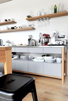 loft in graz - Möbelbau Breitenthaler, Tischlerei Loft, Kitchen Cabinets, Table, Furniture, Home Decor, Little Cottages, Cooking, Graz, Carpentry