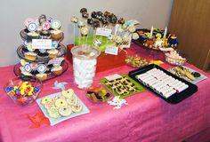 otra imagen de la mesa de los dulces