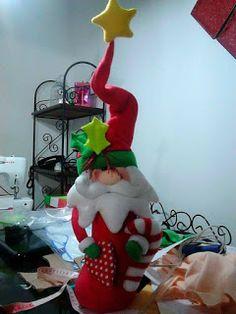 SANTAS ESTILIZADOS Snowman Ornaments, Elf On The Shelf, Dinosaur Stuffed Animal, Santa, Toys, Holiday Decor, Christmas, Home Decor, Reindeer