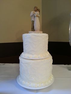 In-house Pastry Chef Lindsay from Dégagé Jazz Cafe created this special cake for the Bride and Groom