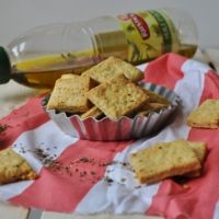 Crackers à l'huile d'olive et aux herbes