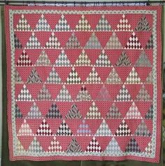 Fabulous Civil War Era C 1860 Pyramids Quilt Beautiful Fabrics Condition Pink Quilts, Old Quilts, Amish Quilts, Antique Quilts, Vintage Quilts, Triangle Quilts, Triangles, Patchwork Designs, Quilting Designs