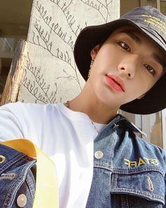"realstraykids: Shaking off my gallery. please take out with full credit "" Shake It Off, Lee Know, Kpop Aesthetic, My Prince, Kpop Boy, Minho, Lee Min Ho, Korean Boy Bands, My Boyfriend"