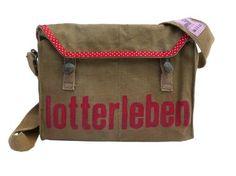 Produkttitel: LOTTERLEBEN - Shopname: by sita  Kult-Tasche, veredelt - Original aus den 60ern.  Die kleine, praktische Umhängetasche bietet viel Platz. Inwendig organisiert mit seitlichem Handysteckfach und 2 weiteren offenen Einteilungen.