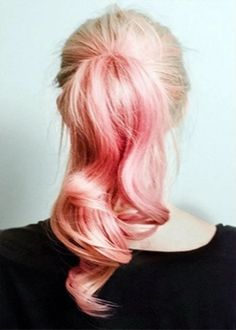 Dye your hair simple & easy to ombre Electric hair color - temporarily use ombre pink hair dye to achieve brilliant results! DIY your hair ombre with hair chalk My Hairstyle, Ponytail Hairstyles, Pretty Hairstyles, Hair Ponytail, Barbie Ponytail, Curls Hair, Hairstyles Haircuts, Barbie Hairstyle, Beach Hairstyles