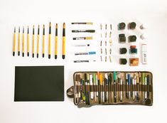 Things Organized Neatly: The Art of Arranging the Everyday - Yen Mag Painting Inspiration, Design Inspiration, Things Organized Neatly, Stationary Organization, Collections Of Objects, Artist Supplies, Neat And Tidy, Art Studios, Simple