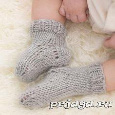 Носочки спицами для малыша.ОПИСАНИЕ!