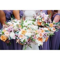 Loving the colorful floral of these @lilygreenthumbs bouquets !Photo: Lauren Friday Photography | Planner: @hallandwebb.