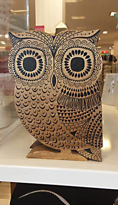 wood-sculpture owl with zentangle-y surface decorations (debenhams 16)