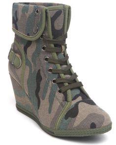 2375b60f925 Fashion Lab Women Camo Amma Camo Sneaker Wedge Wedge Sneakers