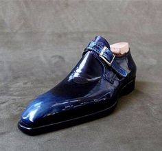 These alligator monk strap shoes are made by keeping fashion sense in mind. These are formal business shoes that decked out by loafer style and monk strap on the edge. Hot Shoes, Men S Shoes, Blue Shoes, Formal Shoes, Casual Shoes, Men Casual, Gentleman Shoes, Business Shoes, Business Casual