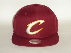 Mitchell and Ness NBA Cleveland Cavaliers Logo Team Maroon Snapback Cap