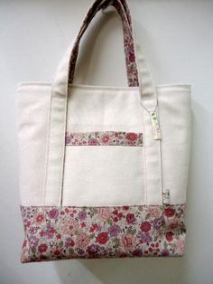Best 12 帆布春トートバッグ③(巾着付)Spring canvas tote bag with a drawstring bag Bag Pattern Free, Bag Patterns To Sew, Fabric Tote Bags, Canvas Tote Bags, Patchwork Bags, Denim Bag, Jute Bags, Cloth Bags, Handmade Bags