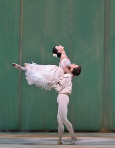 Sergei Polunin and Tamara Rojo in Marguerite & Armand. © Dave Morgan, by kind permission of the Royal Opera House.
