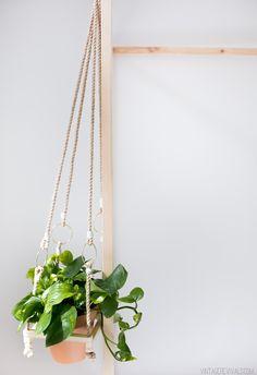 Simple Hanging Boho Planter DIY vintagerevivals.com