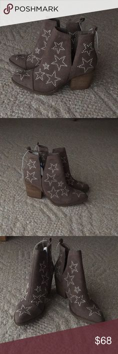 NWT Carlos Santana Booties BRAND NEW taupe coloured side slit suede booties with silver studded stars all over, super cute for any boho/rocker/chic style! Paper stuffing is still inside to keep their brand new form. Carlos Santana Shoes Ankle Boots & Booties
