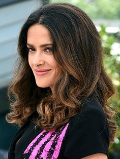 How to get every type of wave: Salma Hayek's style is your quickest way to a big, voluminous blowout with minimal effort