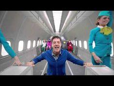 Estos sí saben lo que es tripearse un video ((d-.-b)) ► -  S7 Airlines OK Go, Upside down & Inside Out - YouTube