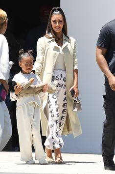 Kardashian Style, Kardashian Jenner, Kardashian Fashion, Kourtney Kardashian, Kanye West Family, Jenner Kids, Kim K Style, Cute Celebrities, Celebs