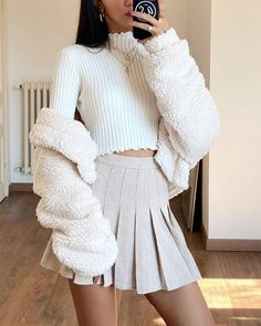 Pleated Skirt Outfit, Cute Skirt Outfits, Preppy Outfits, Cute Skirts, Winter Fashion Outfits, Mode Outfits, Girly Outfits, Cute Casual Outfits, Stylish Outfits