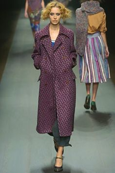 See the complete Dries Van Noten Fall 2004 Ready-to-Wear collection.